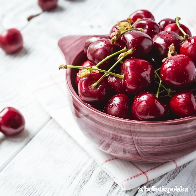 Owoce sezonowe – czereśnie. Bogactwo witamin z grupy B i bioflawonoidów.