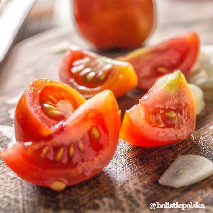 Dobrodziejstwa sezonowych warzyw i owoców-pomidory, cenne źródło potasu, magnezu i witamin