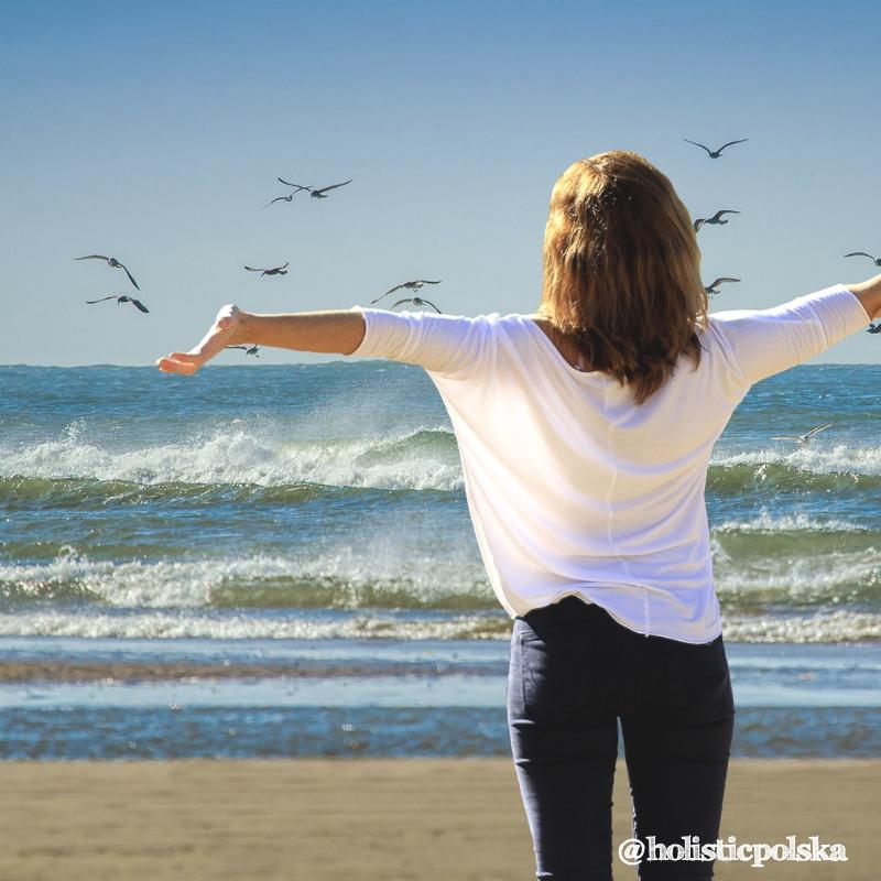 Lato – czas beztroski i odpoczynku. Wyzwania wakacyjnej diety i jak zachować równowagę, by nie przybrać na wadze.