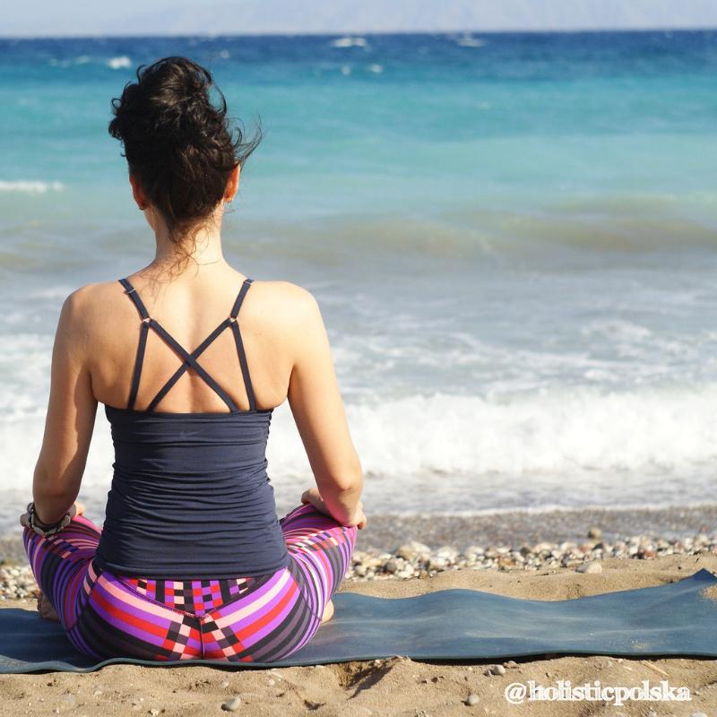 Jest takie powiedzenie: kto panuje nad swoim oddechem, panuje nad sobą. Praca z oddechem może poprawić samopoczucie i zdrowie.