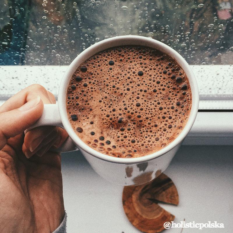 Czy picie gorącej czekolady może sprawiać, że nasz mózg działa sprawniej?