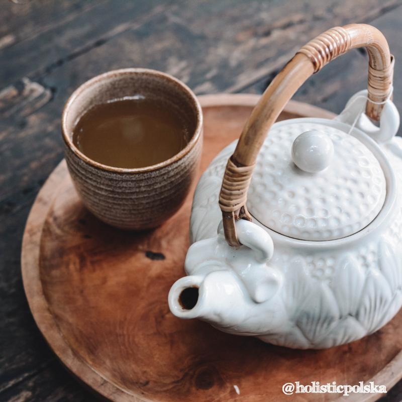 Jesteś smakoszem zielonej herbaty? Korzyści zdrowotne teaniny.